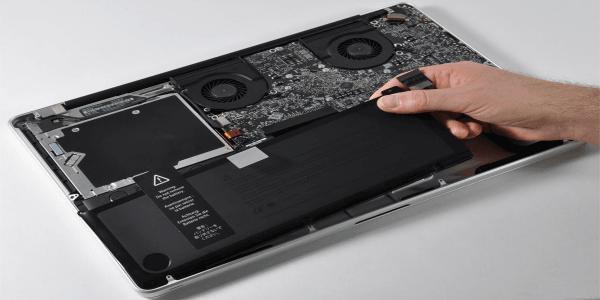 Określ, ile cykli może wytrzymać Twój MacBook!