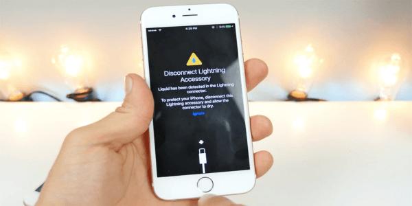 iOS 10 ostrzeże o obecności wody w porcie Lightning!