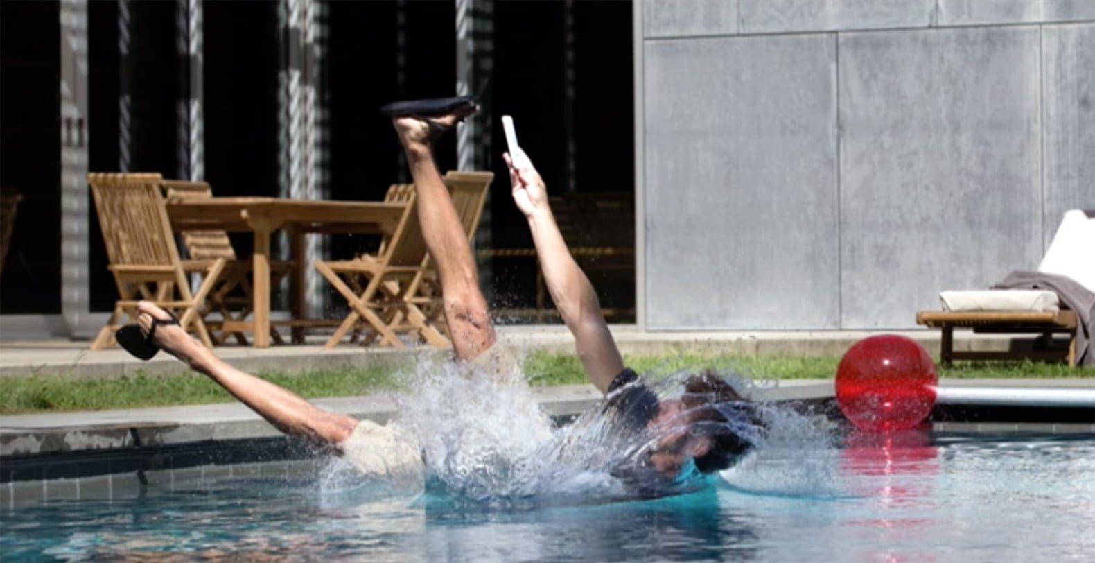 selfie-wodoodporny-iphone-7-zalany-applefix