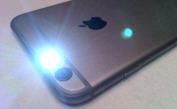 Lampa błyskowa iPhone nie działa